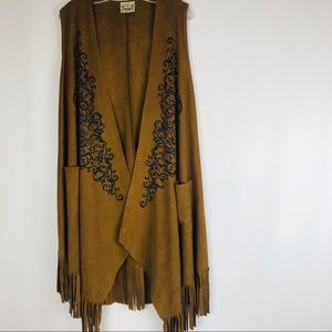 Vocal Vest suede like with fringe and rhinestones.